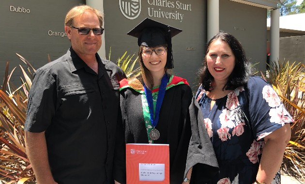 Port Macquarie psychology graduate awarded University Medal