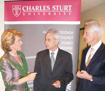 The Hon. Julie Bishop, MP, Minister for Education, Science & Training with CSU President & Vice-Chancellor Professor Ian Goulter, and Mr Kerry Bartlett, MP.