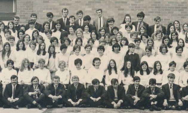 Bathurst teaching alumni reunite for 50-year graduation milestone