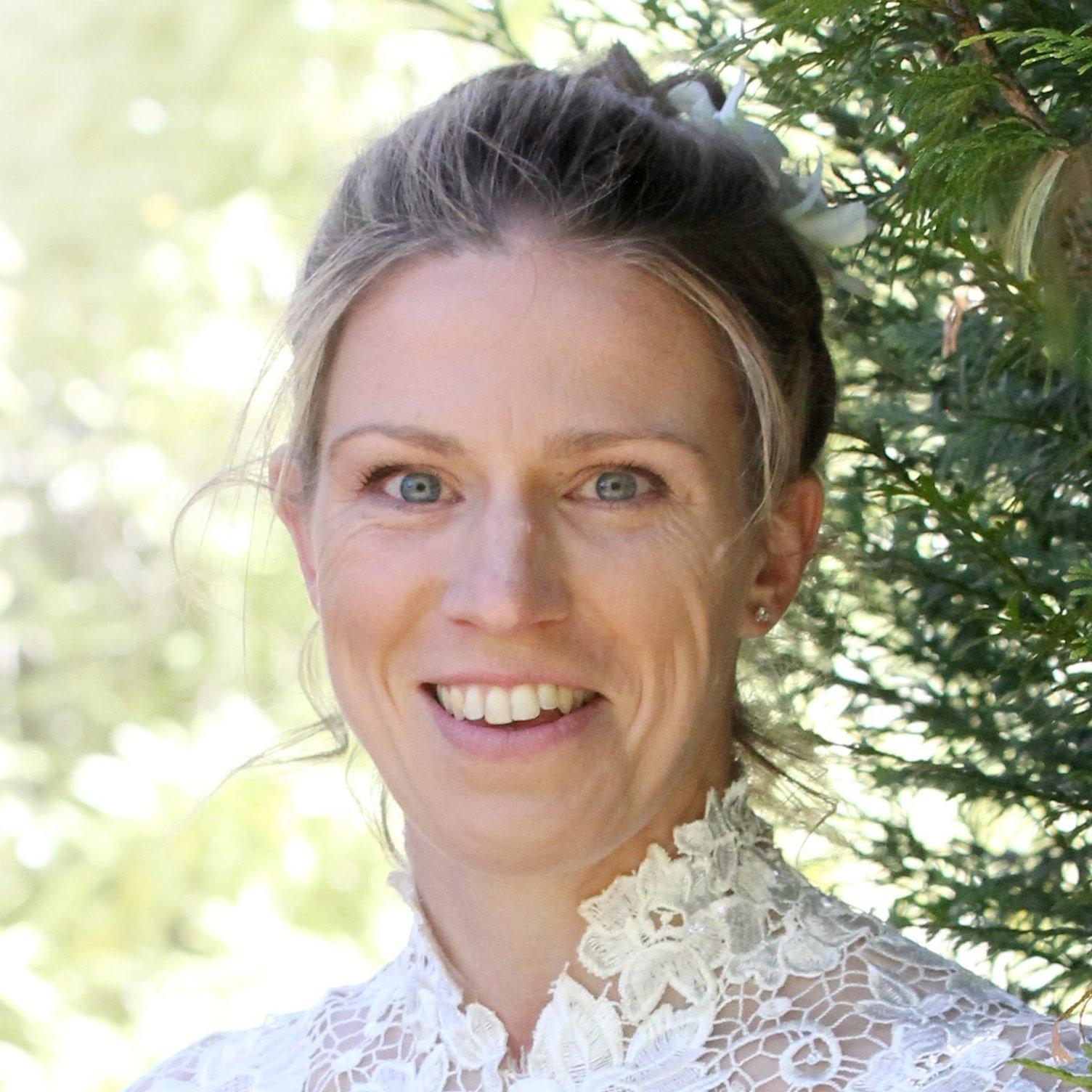 Caroline Robertson 2018 profile photo