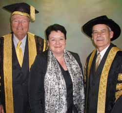 ACTU president, Ms Sharan Burrow addressed CSU graduates. She is pictured with Chancellor Lawrie Willett (left) and Vice-Chancellor Professor Ian Goulter.