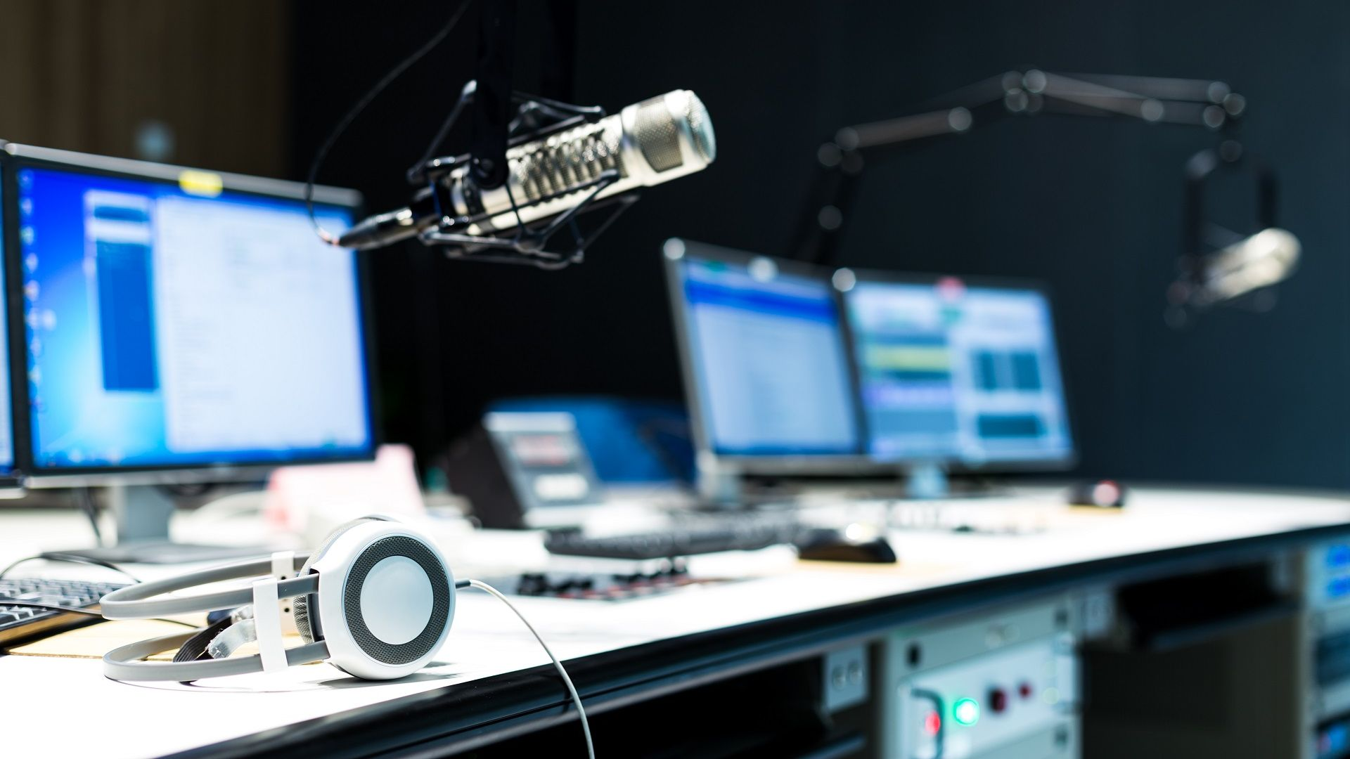 Charles Sturt's Radio course changed in response to industry's, graduates' needs
