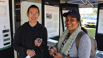 Shen Shicai, visiting scholar from China and Chitra Shanker from the Indian Institute of Rice Research, visiting Charles Sturt as an Endeavour Scholar