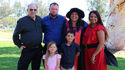 Dr Esther Callcott an dfamily