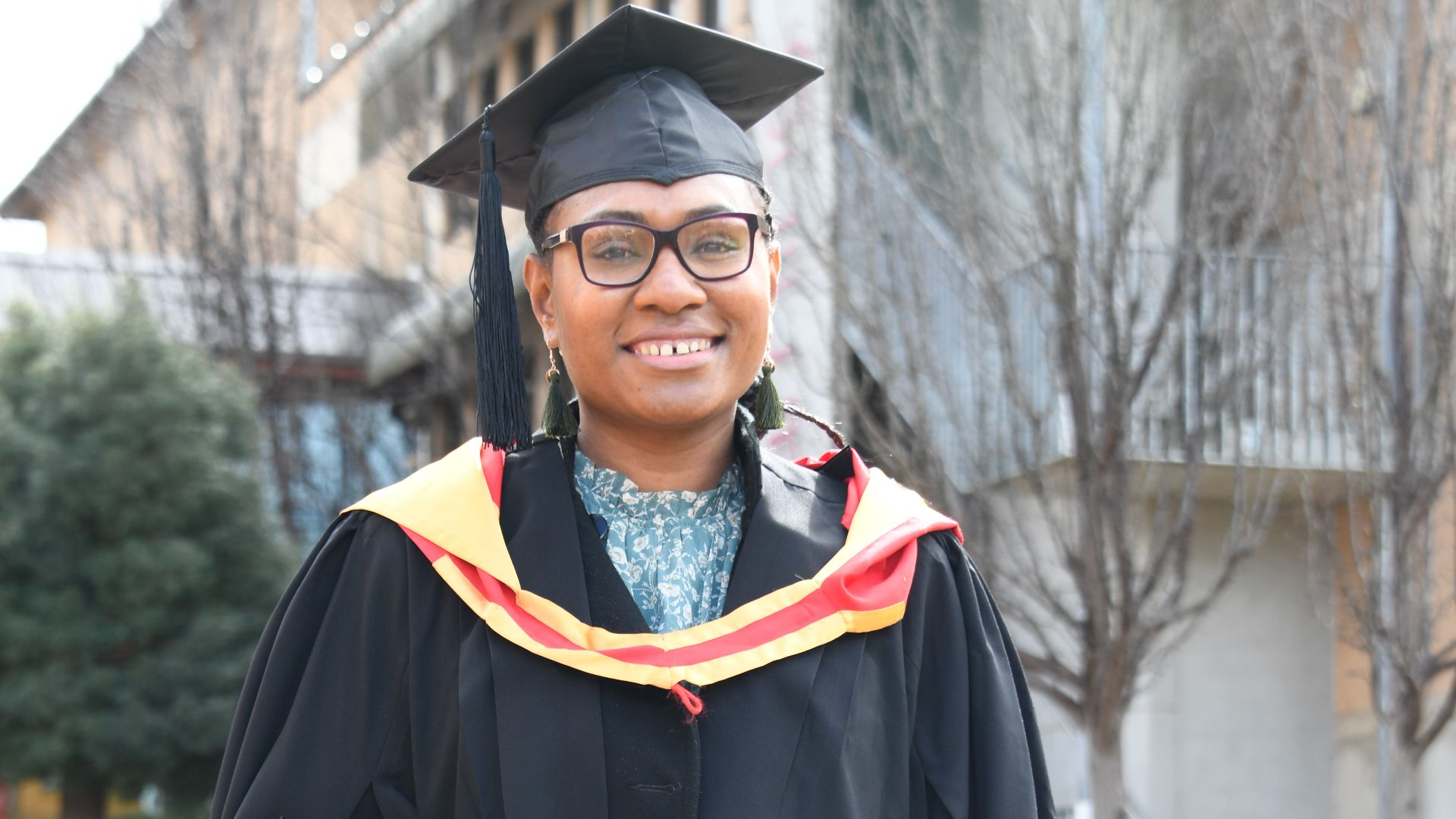 Charles Sturt graduate to become first female vet in Papua New Guinea