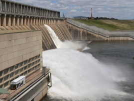 Hume Dam spilling 2010