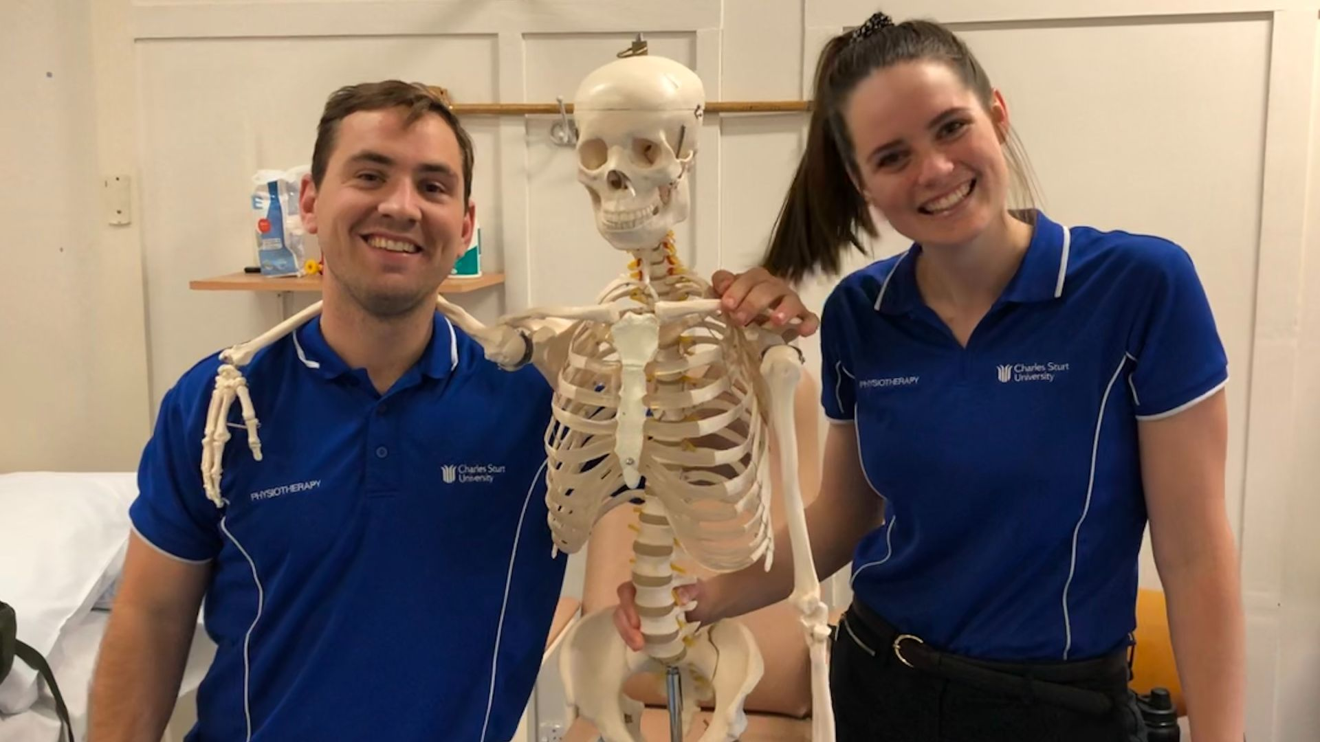 Port Macquarie physiotherapy graduate tops cohort and receives prestigious award