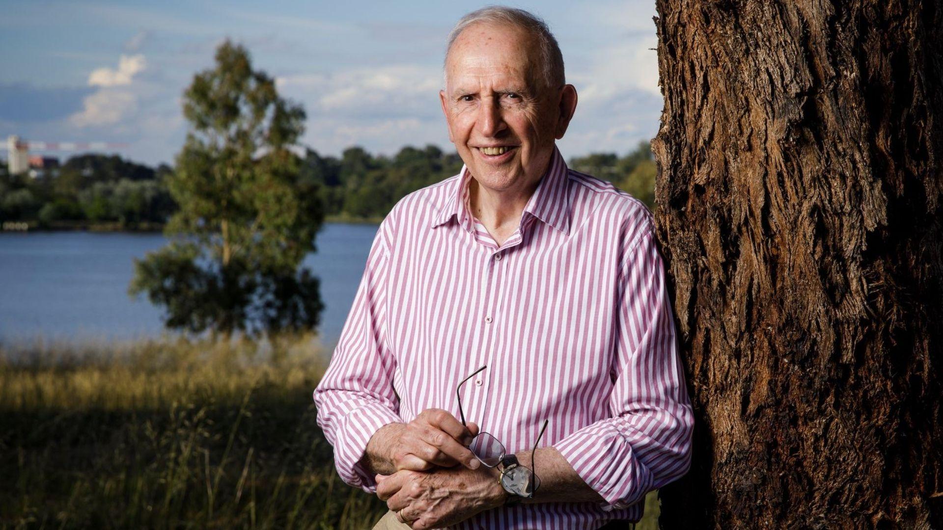 The Kindness Revolution ─ Hugh Mackay to speak in Port Macquarie