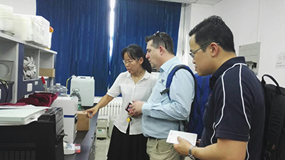 Professor Blanchard and Dr Tan visiting State Key Laboratory of Food Nutrition and Safety