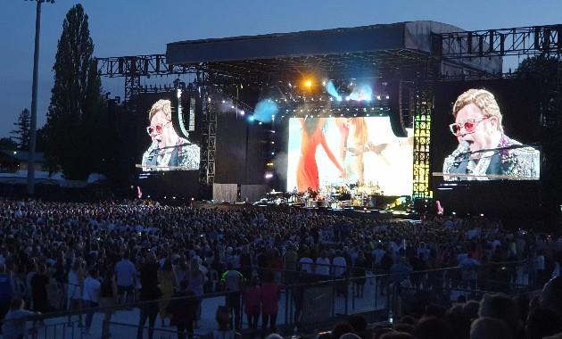 Wagga Wagga students work backstage at Sir Elton John concert