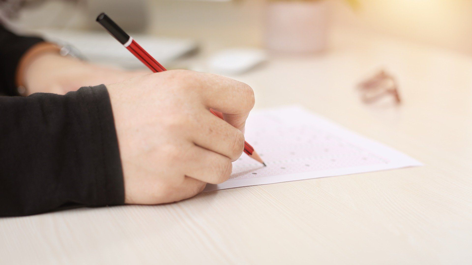 NAPLAN testing: how its use by parents may be related to their background