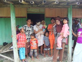 Village women and children in Central Java, Indonesia