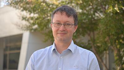 Dr Martin Combs