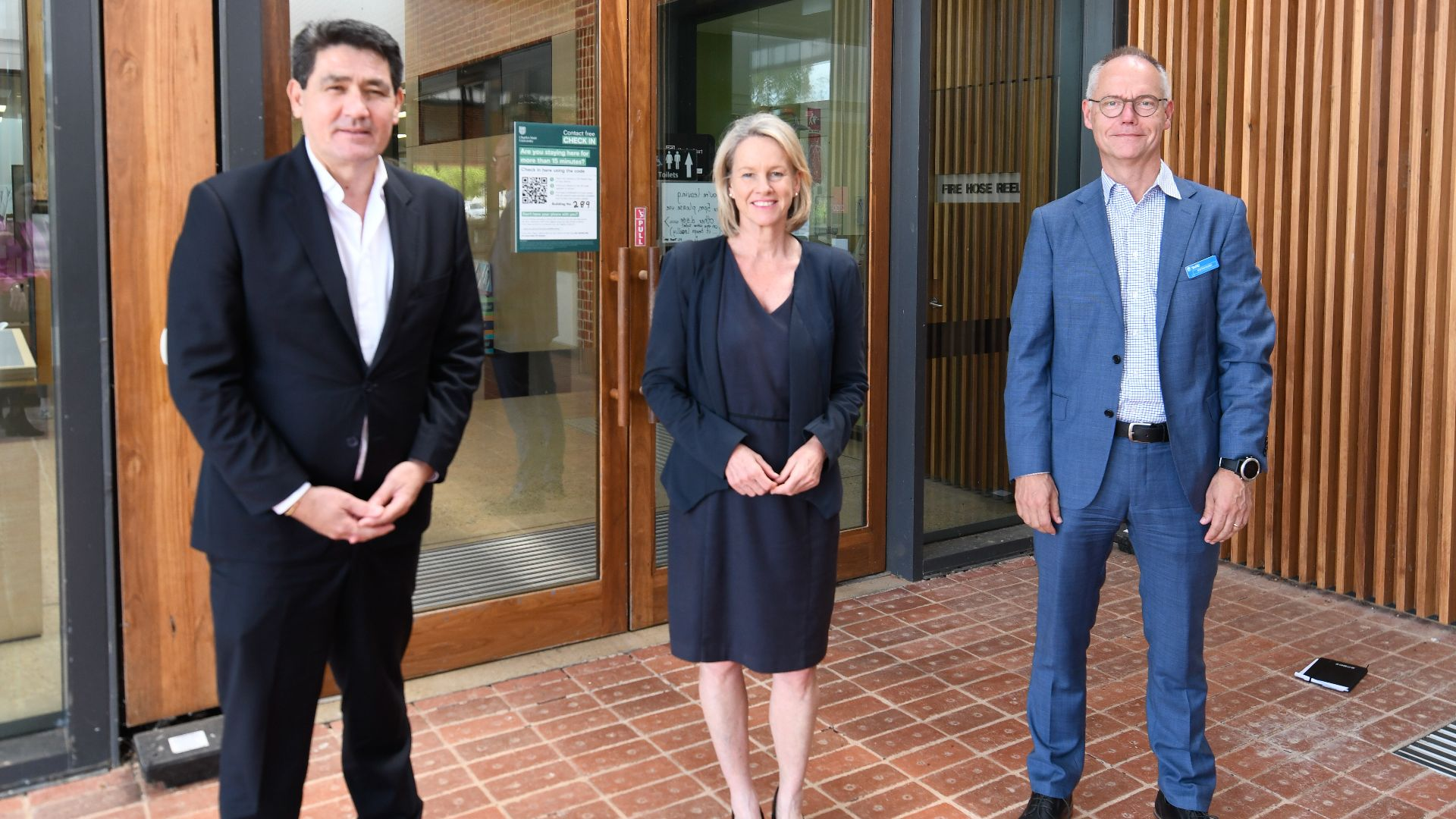 Minister for Tertiary Education and TAFE NSW Managing Director visit Charles Sturt
