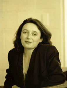 Ms Colette Keen