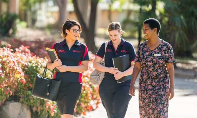 Agreement gives Charles Sturt nursing students access to free expert tutoring