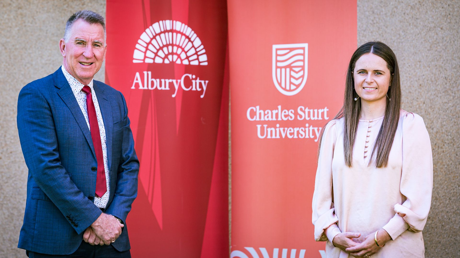 Applications now open for innovative Charles Sturt and AlburyCity Council scholarship program